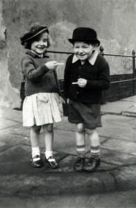 Черно-белые фото детей