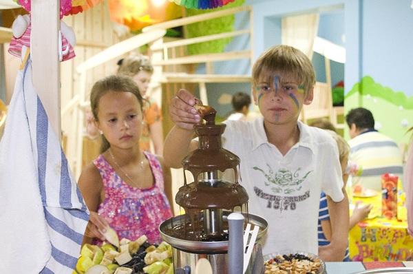 Праздник в детском саду к дню дошкольного работника в
