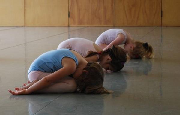В детском саду с элементами хатха йоги