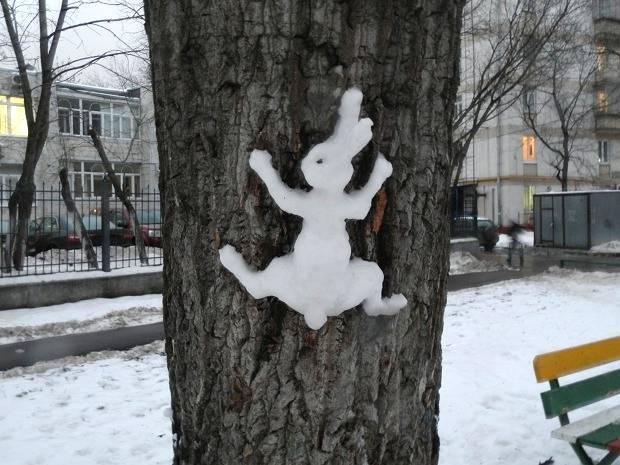картина снегом на дереве