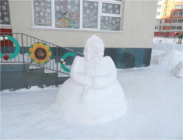 участок детского сада зимой