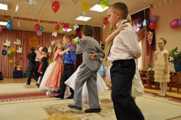 выпускные танцы в детском саду