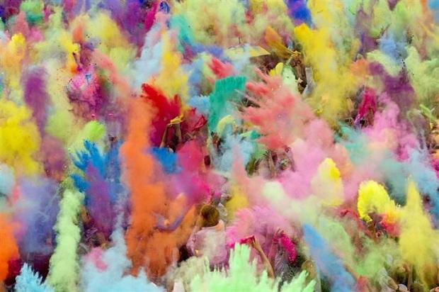 праздник красок Холи