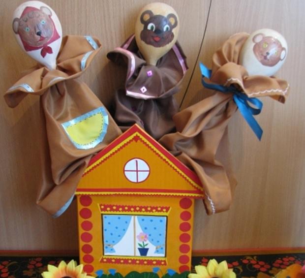 кукольный уголок в детском саду