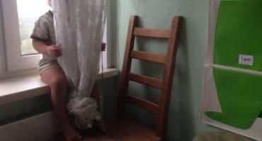 столы и стулья в детском саду